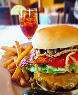 Chas Kobe Burger 12oz kobe blend  bacon  cheddarhellip